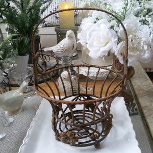 VINTAGE Cast IRON Chippy DISTRESSED Basket